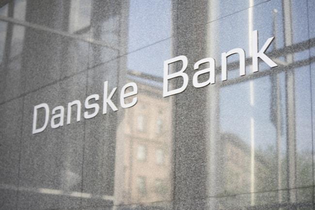 Danske Banks i skrift på fasad