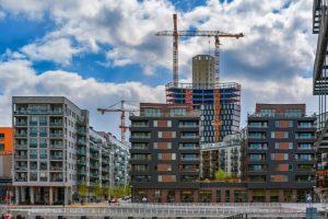 Unga hushåll tvingas flytta från Stockholmsregionen