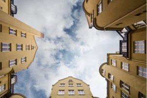 Bolånemarginalerna sjunker: dyrare för bankerna att låna pengar